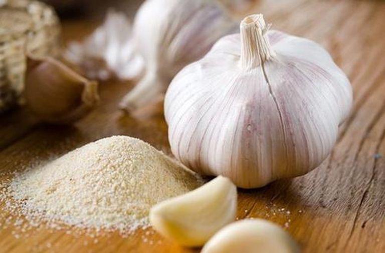 Tỏi chưng muối trị ho hiệu quả