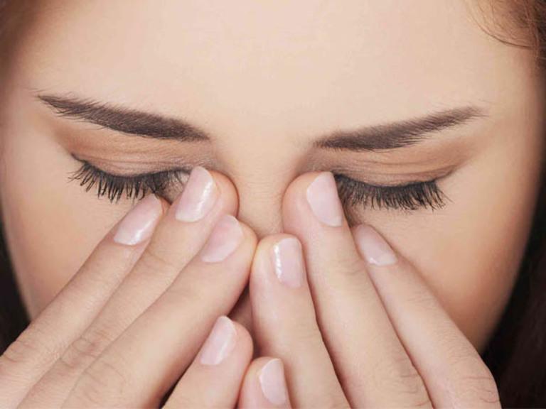 Một số triệu chứng cần lưu ý để nhận biết viêm xoang đã ảnh hưởng tới mắt