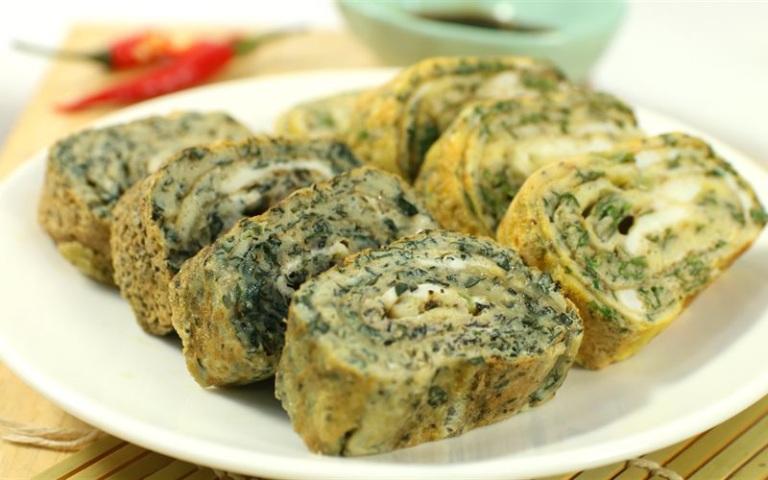 Trứng chiên lá lốt là món ăn có tác dụng rất tốt đối với người bị thoái hóa khớp gối