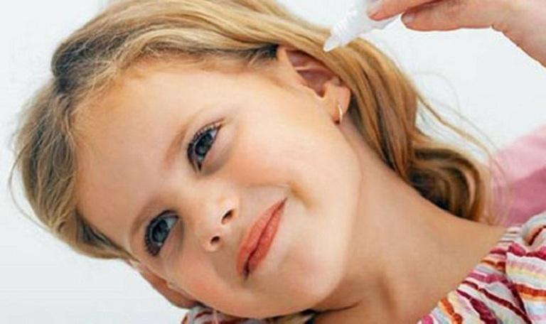 Vệ sinh tai đúng cách giúp phòng ngừa viêm tai giữa