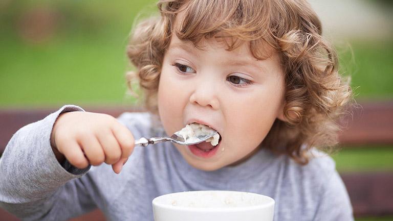 Trẻ em bị nhiễm khuẩn HP phải làm sao