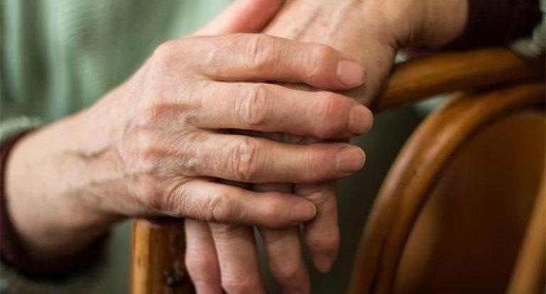 Khác nhau giữa viêm khớp và gout