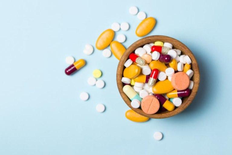Thuốc kháng sinh mang lại hiệu quả nhanh nhưng bệnh có thể tái phát trở lại sau khi ngưng thuốc