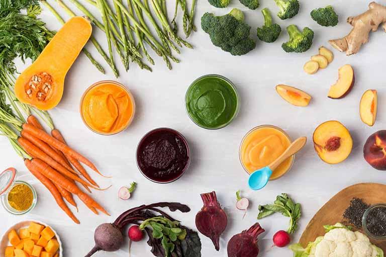 Bổ sung nhiều rau xanh vào bữa ăn của bệnh nhân