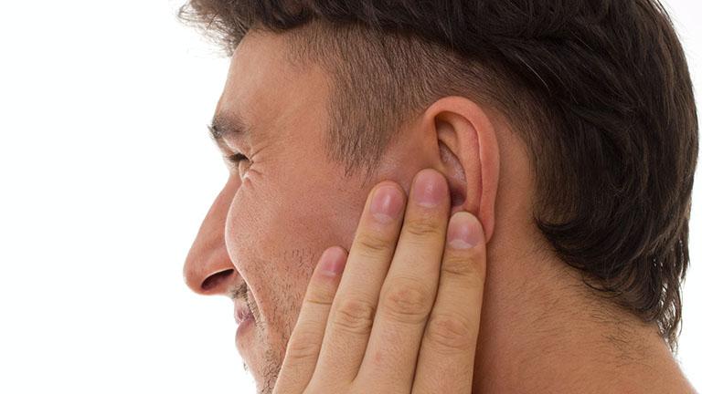 Một số bệnh tự miễn cũng có thể gây ra viêm màng sụn tai
