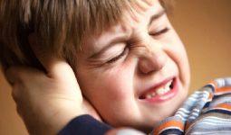 Bệnh khiến trẻ quấy khóc, khó chịu, dụi tai
