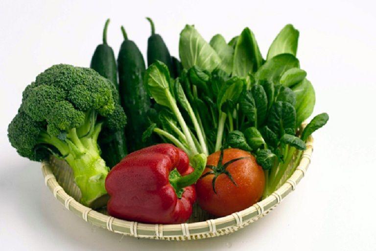 Người bệnh nên xây dựng chế độ ăn dinh dưỡng, tăng cường các loại rau củ quả