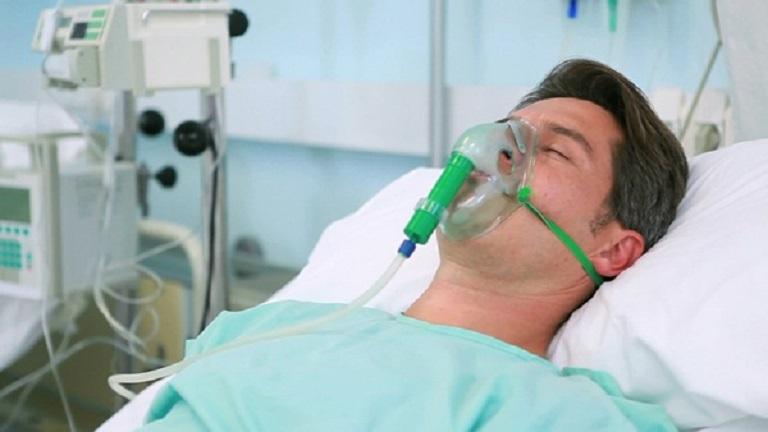 Tình trạng khó thở nguy kịch cần phải được hỗ trợ sử dụng máy thở, mặ nạ thở...