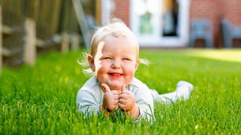 Trong những ngày tháng đầu đời, bé có thể mắc nhiều bệnh lý đường hô hấp