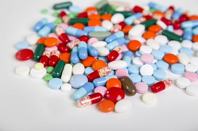Tùy theo từng triệu chứng và mức độ của bệnh để bác sĩ kê đơn thuốc phù hợp