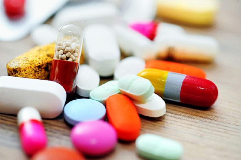 Sử dụng thuốc uống nội khoa đem đến nhiều tác dụng phụ lên gan, thận,...