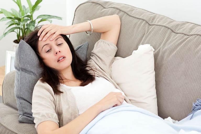Các triệu chứng của bệnh xuất huyết tiêu hóa dưới