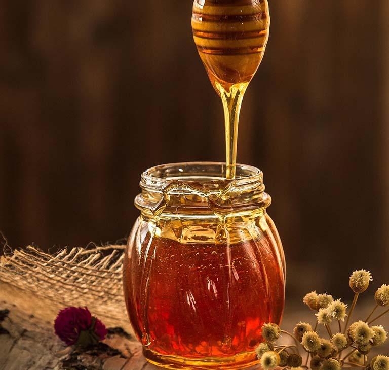 Mật ong - cách trị bệnh giời leo tại nhà giá rẻ, hiệu quả cao