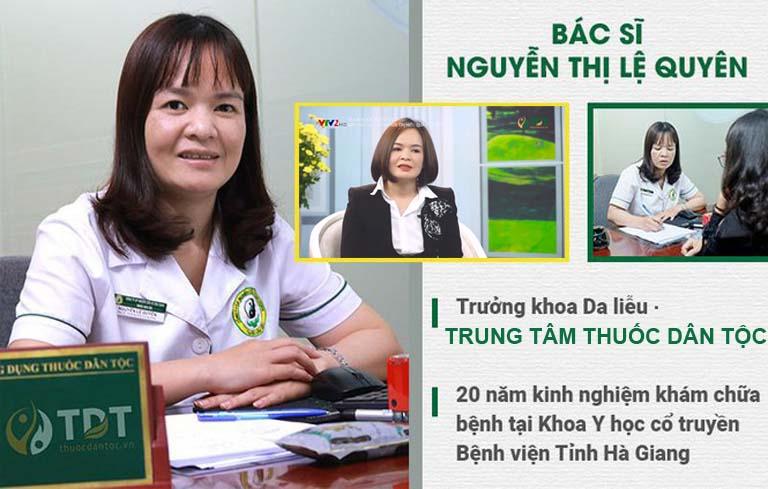 Bác sĩ Nguyễn Lệ Quyên trực tiếp khám chữa mề đay cho chị Ngọc