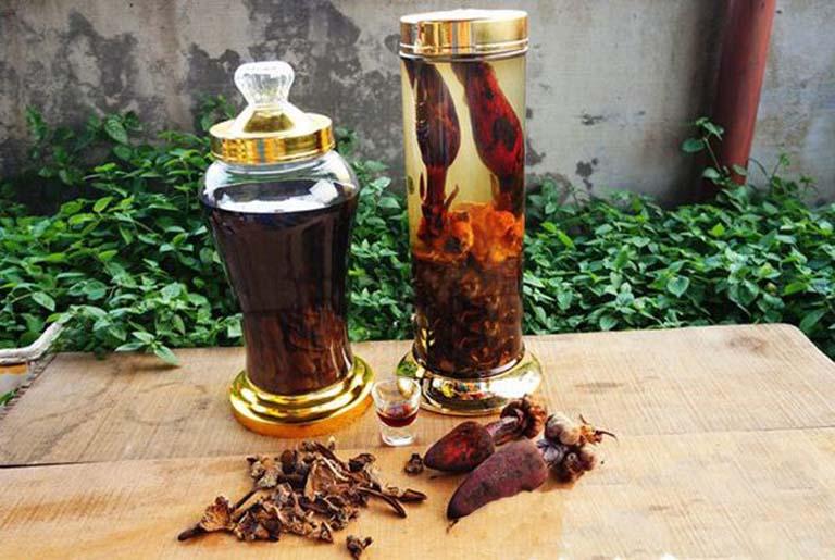 bài thuốc ngâm rượu chữa yếu sinh lý từ nấm ngọc cẩu