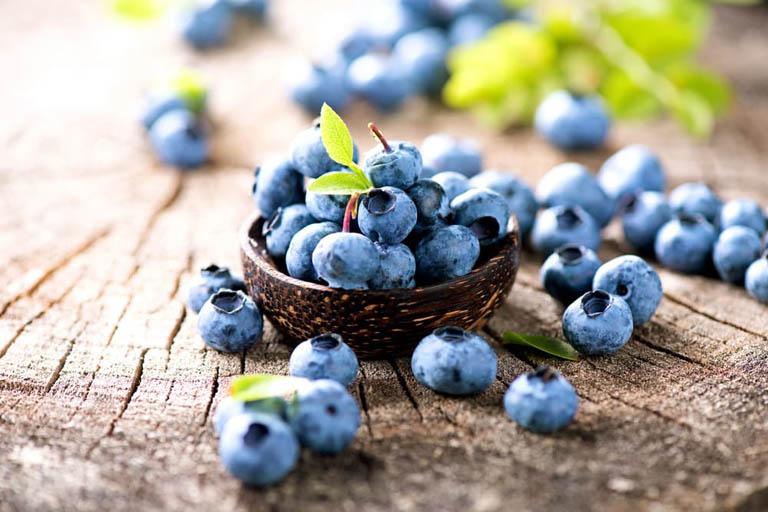 bệnh gout nên ăn quả việt quất