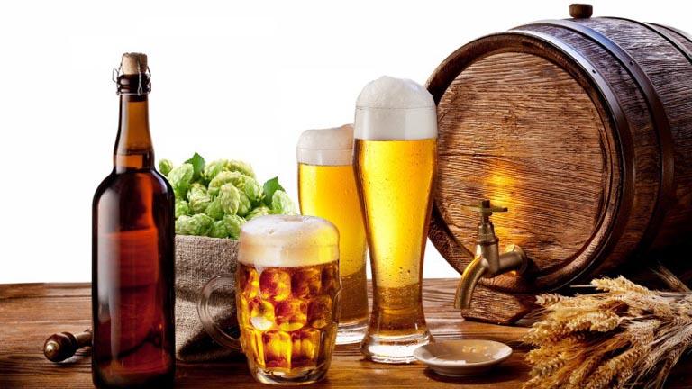 bệnh gout nên kiêng bia rượu