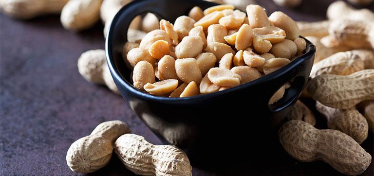 bệnh gút ăn đậu phộng được không