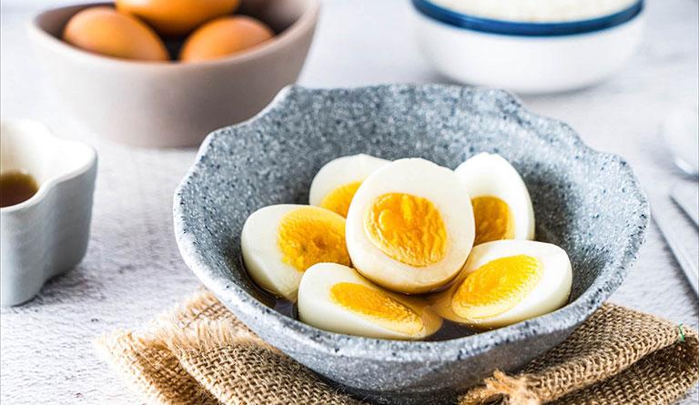 Bệnh gút ăn bao nhiều trứng