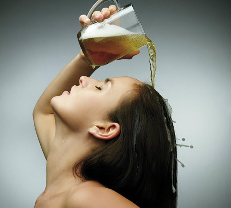 Bia được làm từ ngũ cốc và lúa mạch nên có tác dụng nuôi dưỡng tóc