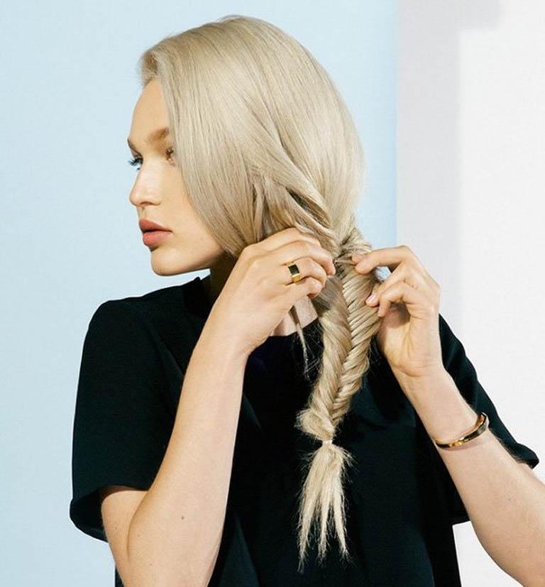 Nên tết tóc khi đi ngủ để tóc ít bị kéo căng hơn