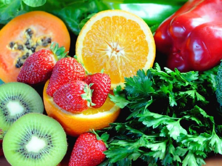 Bổ sung các loại vitamin tự nhiên để nuôi dưỡng tóc từ bên trong