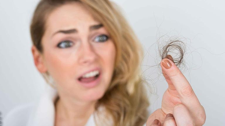 Căng thẳng, lo âu có thể gây rụng tóc