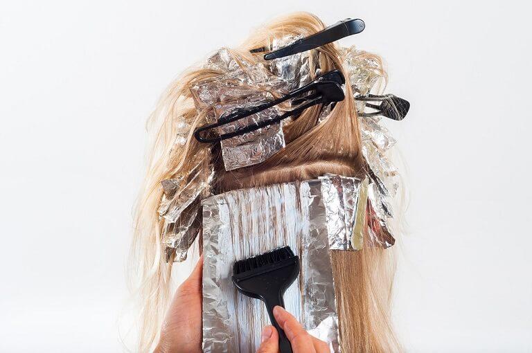 Hạn chế dùng hóa chất khi sử dụng các cách trị rụng tóc từ thiên nhiên