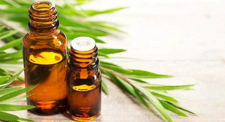 Sử dụng tinh dầu để trị vảy nến là một cách đơn giản cho những người bận rộn