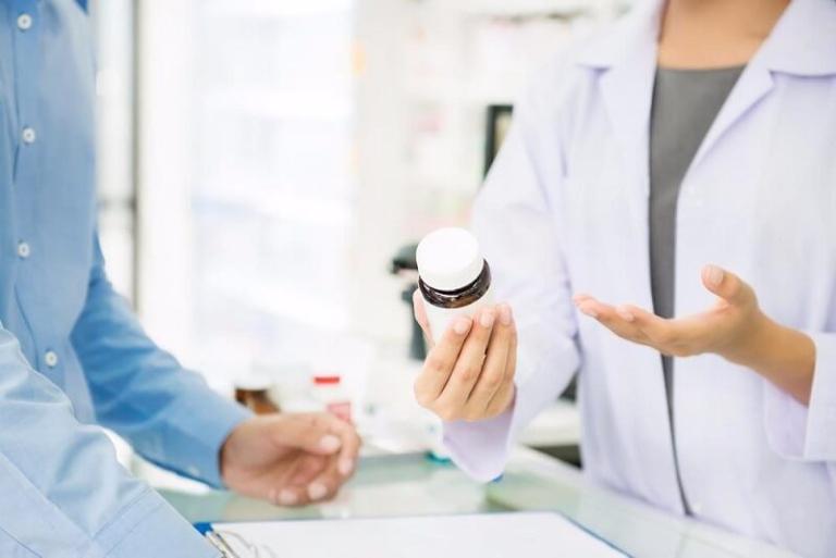 Chữa bệnh gai cột sống bằng thuốc Tây y theo đơn kê của bác sĩ chuyên khoa