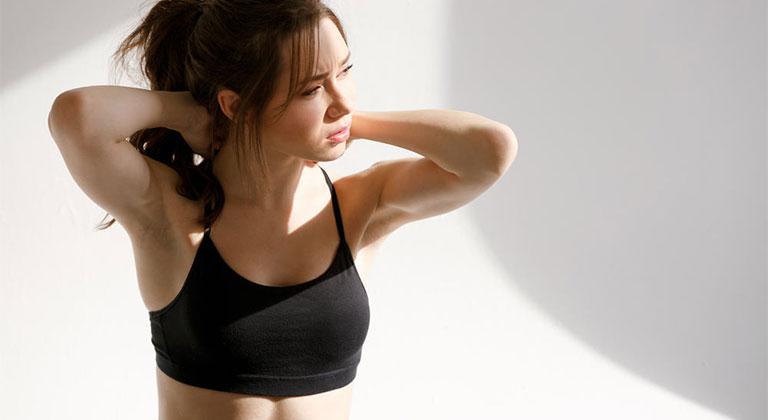 Vì sao bị đau gáy khi tập gym