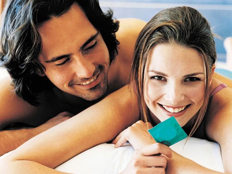 Dùng bao cao chống xuất tinh sớm khi quan hệ giúp nam giới kéo dài thời gian xuất tinh