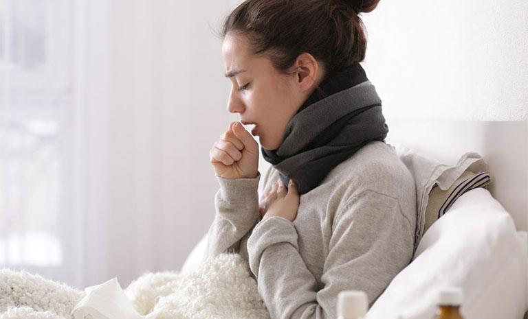 Hít thở sâu bị đau sườn phải