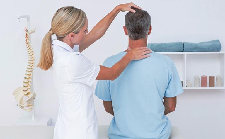 Thăm khám chuyên khoa, xác định bệnh lý để được hướng dẫn điều trị đúng cách