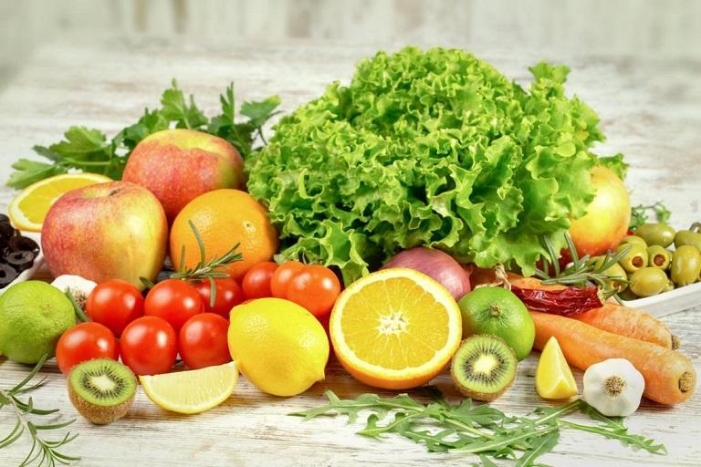 Cần kết hợp dùng kháng sinh chữa viêm đường tiết niệu với chế độ dinh dưỡng khoa học, lối sống lành mạnh