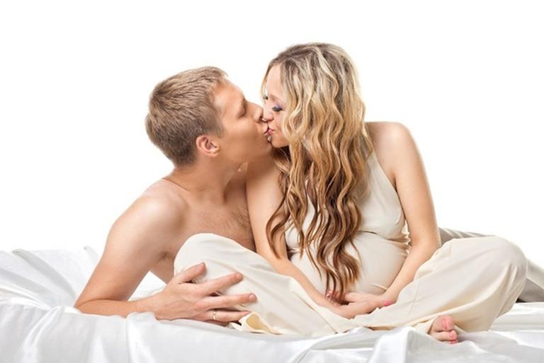 Trong quá trình mang thai mẹ bầu có thể quan hệ tình dục nếu thai nhi phát triển bình thường