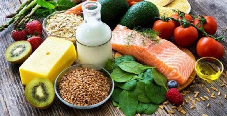 Chế độ ăn nhiều dinh dưỡng, vitamin và khoáng chất kết hợp với Maxxhair sẽ ngăn ngừa rụng tóc hiệu quả