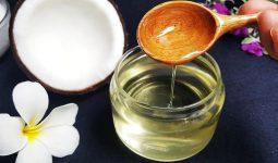 Sử dụng dầu dừa là cách trị viêm nang lông cho bà bầu hiệu quả