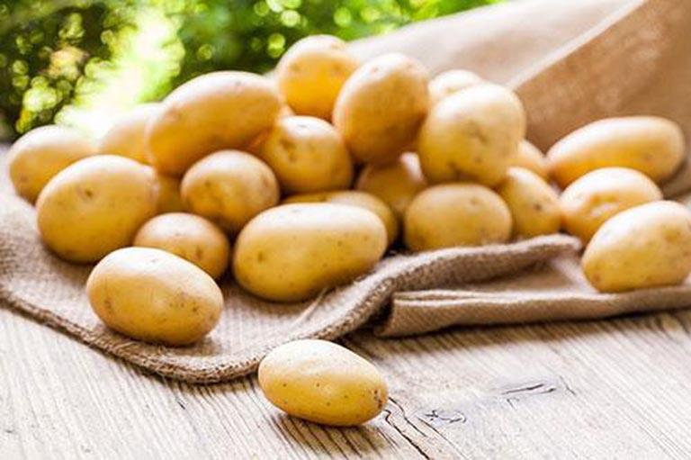 người bị tăng axit uric nên ăn khoai tây