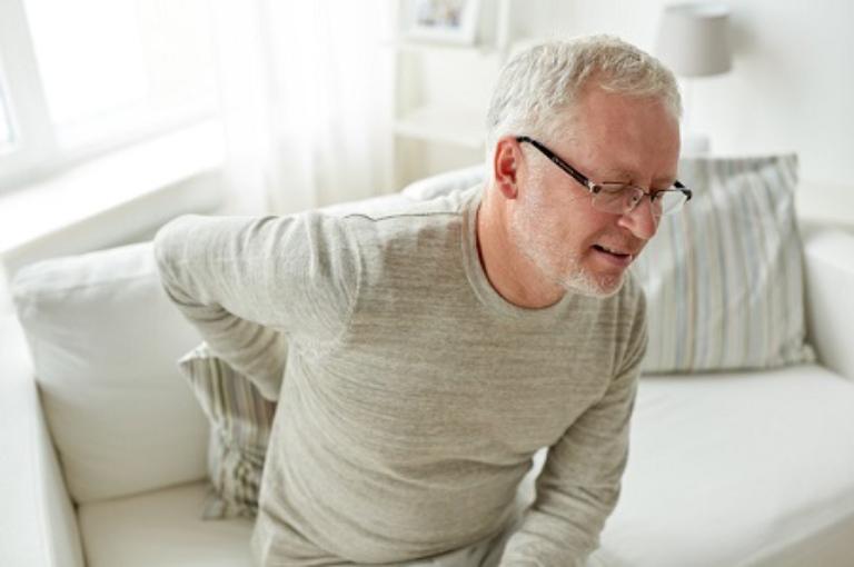 Gai cột sống gây đau nhức ảnh hưởng đến khả năng vận động của người bệnh