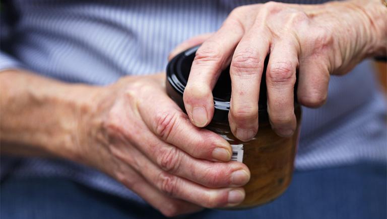 Cách chữa cứng khớp ngón tay
