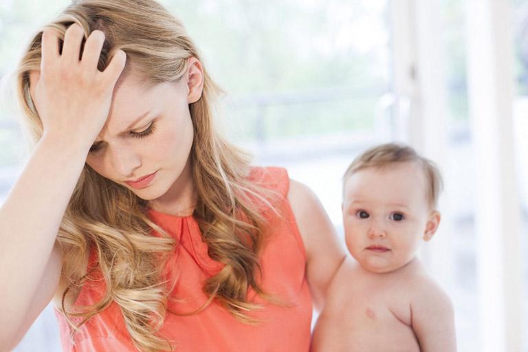 Căn bệnh này xảy ra khi người mẹ bị thiếu máu, thay đổi nội tiết hoặc tâm lý căng thẳng