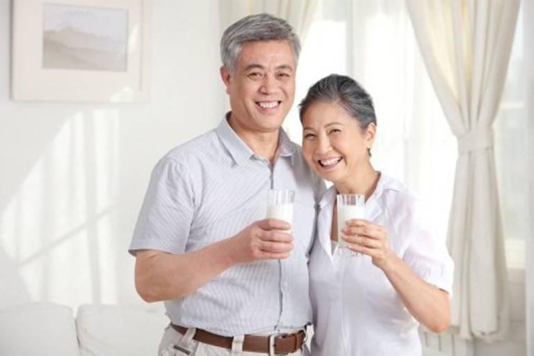 Một số loại sữa phù hợp với người bệnh gout
