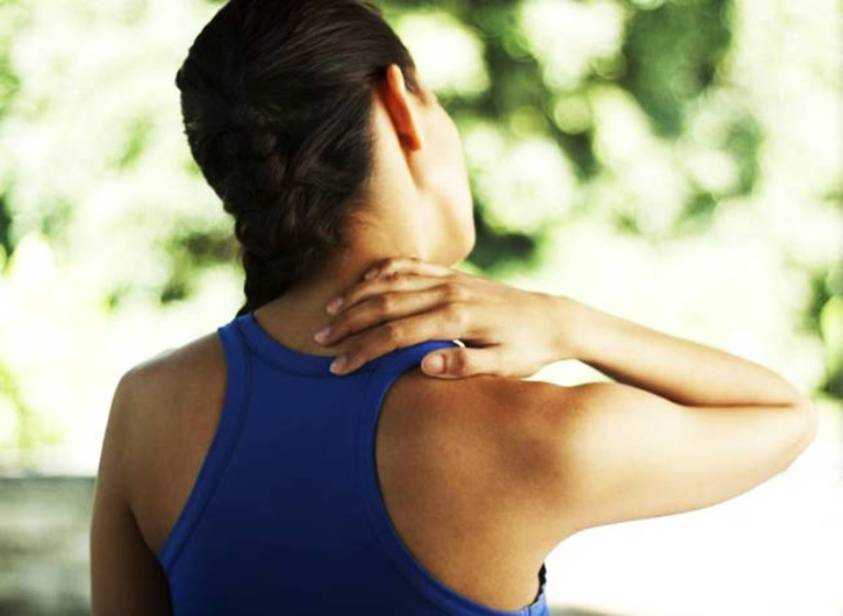 Chọn gối phù hợp khi ngủ sẽ có tác dụng hỗ trợ điều trị bệnh thoái hóa đốt sống cổ