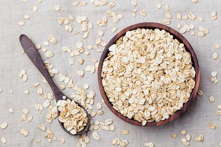 bột yến mạch là thực phẩm trị mất ngủ