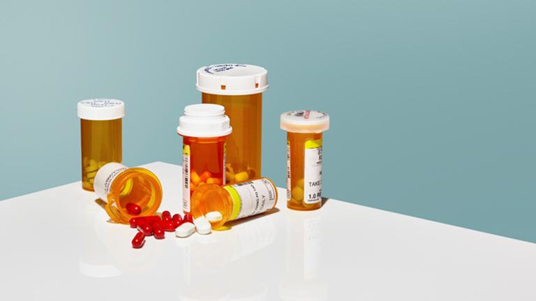 Cần hỏi ý kiến bác sĩ trước khi sử dụng bất cứ loại thuốc nào