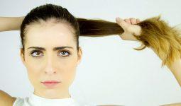 Buộc tóc đuôi ngựa, bện tóc kiểu châu Phi hay đeo nhiều trang sức trên tóc có thể khiến tóc rụng nhiều