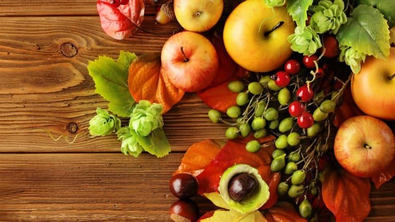 Ăn nhiều rau xanh và trái cây để tăng cường bổ sung vitamin
