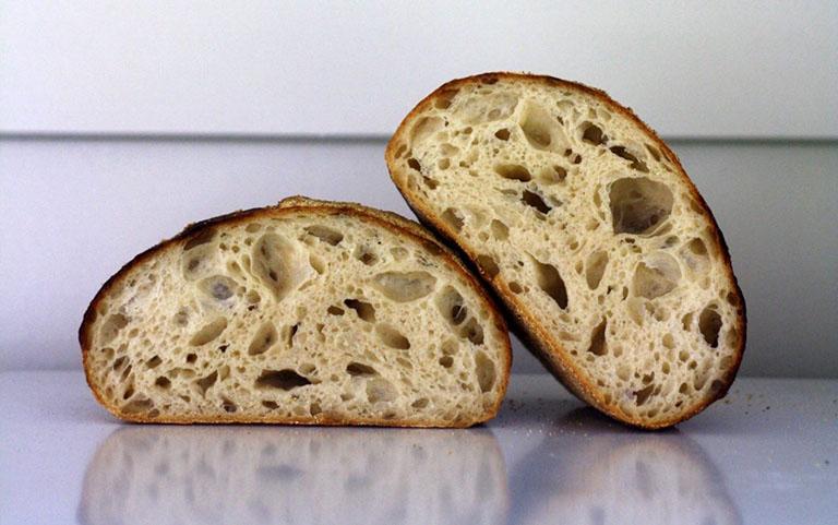 Viêm đại tràng có nên ăn bánh mì không