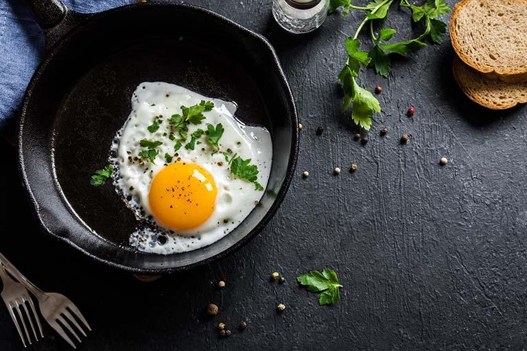 viêm đại tràng có nên ăn trứng